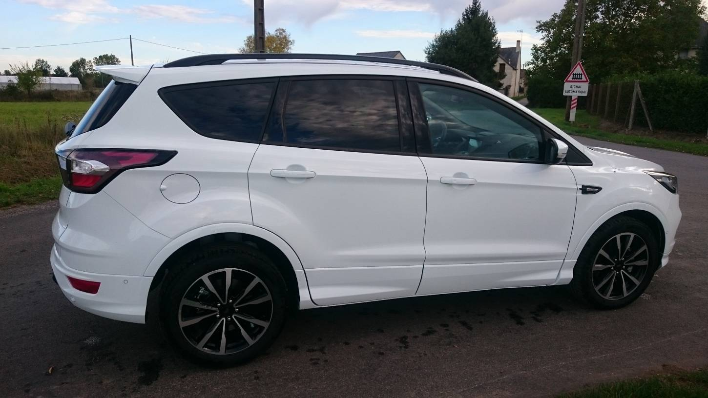 ford kuga st line 2 0 tdci 150 ch diesel neuf show cars. Black Bedroom Furniture Sets. Home Design Ideas