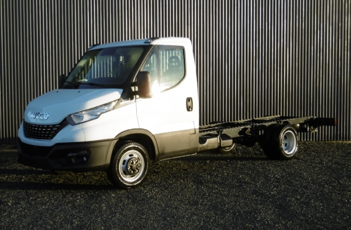 IVECO daily CHASSIS CABINE 35 C21 EMPATTEMENT 3750 DIESEL Neuf