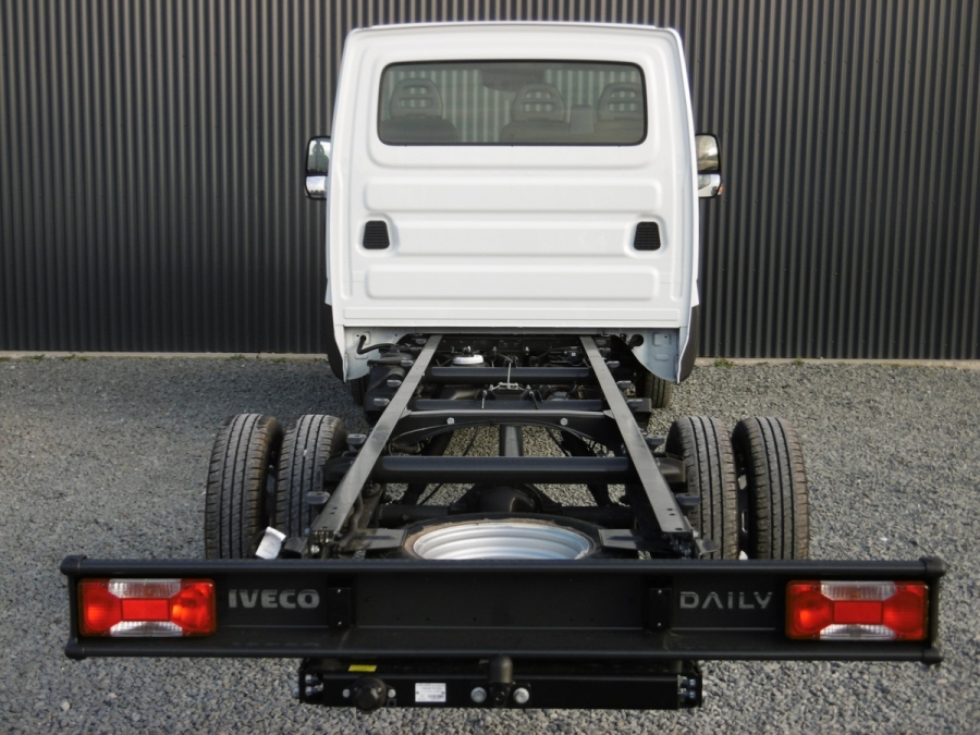 IVECO daily CHASSIS CAB 35 C18 EMP 4100 DIESEL Neuf